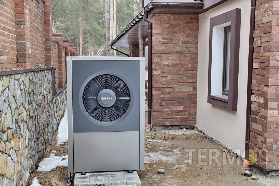 Дом 300 кв м Воздушный тепловой насос BUDERUS (Германия) 17 кВт с активным охлаждением