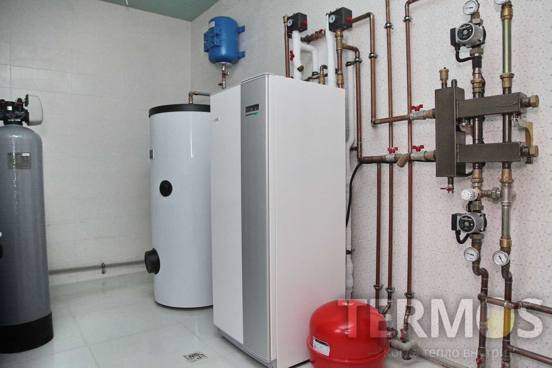 2016 год, с. Круглик. Дом 240 кв м. Система отопления на геотермальном тепловом насосе NIBE (Швеция) 12 кВт, с 4 геотермальными скважинами по 70 м