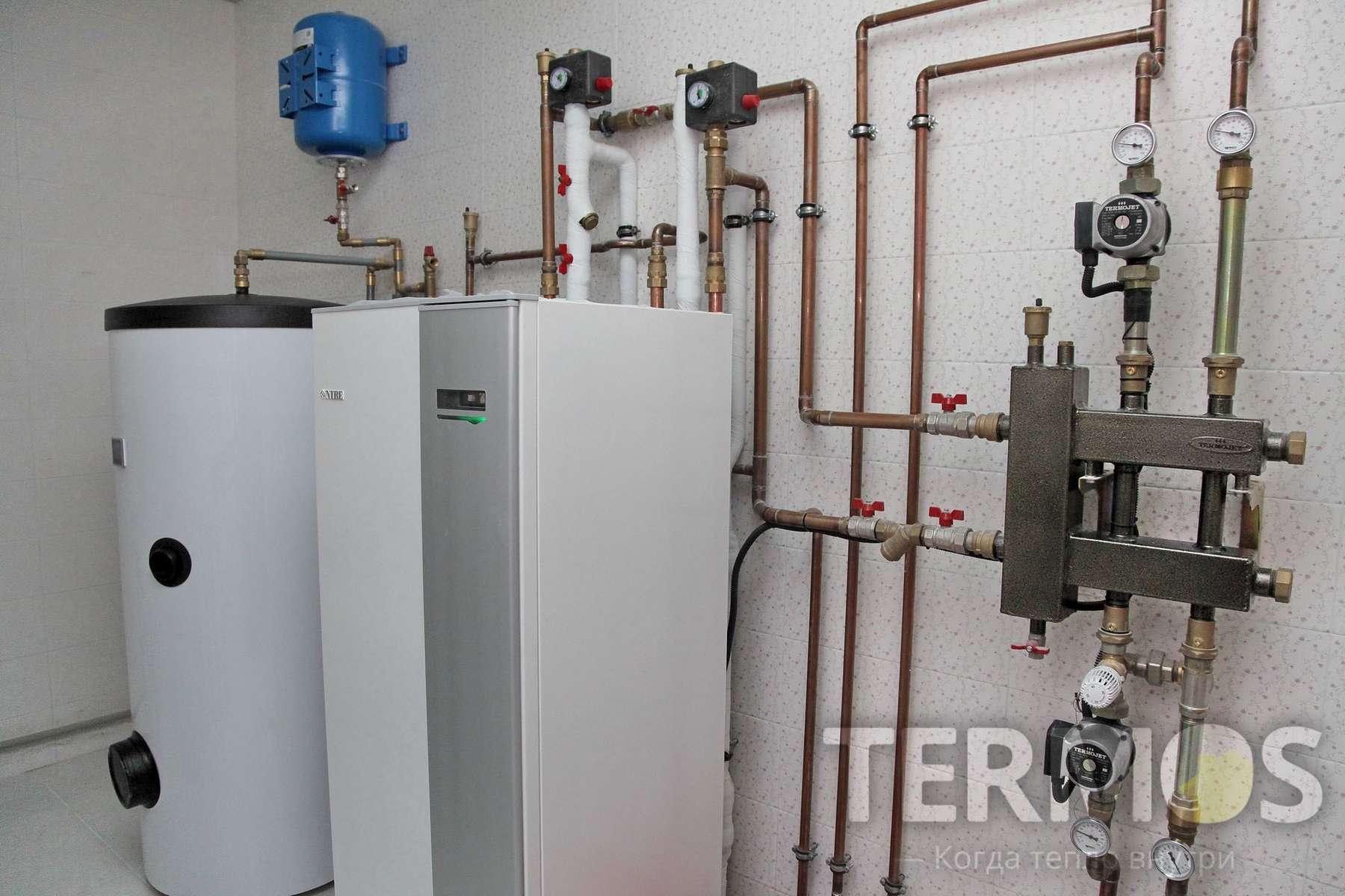 с. Круглик. Дом 240 кв м. Тепловой насос обеспечивает отопление дома и приготовление горячей воды в 200 л эффективном бойлере.