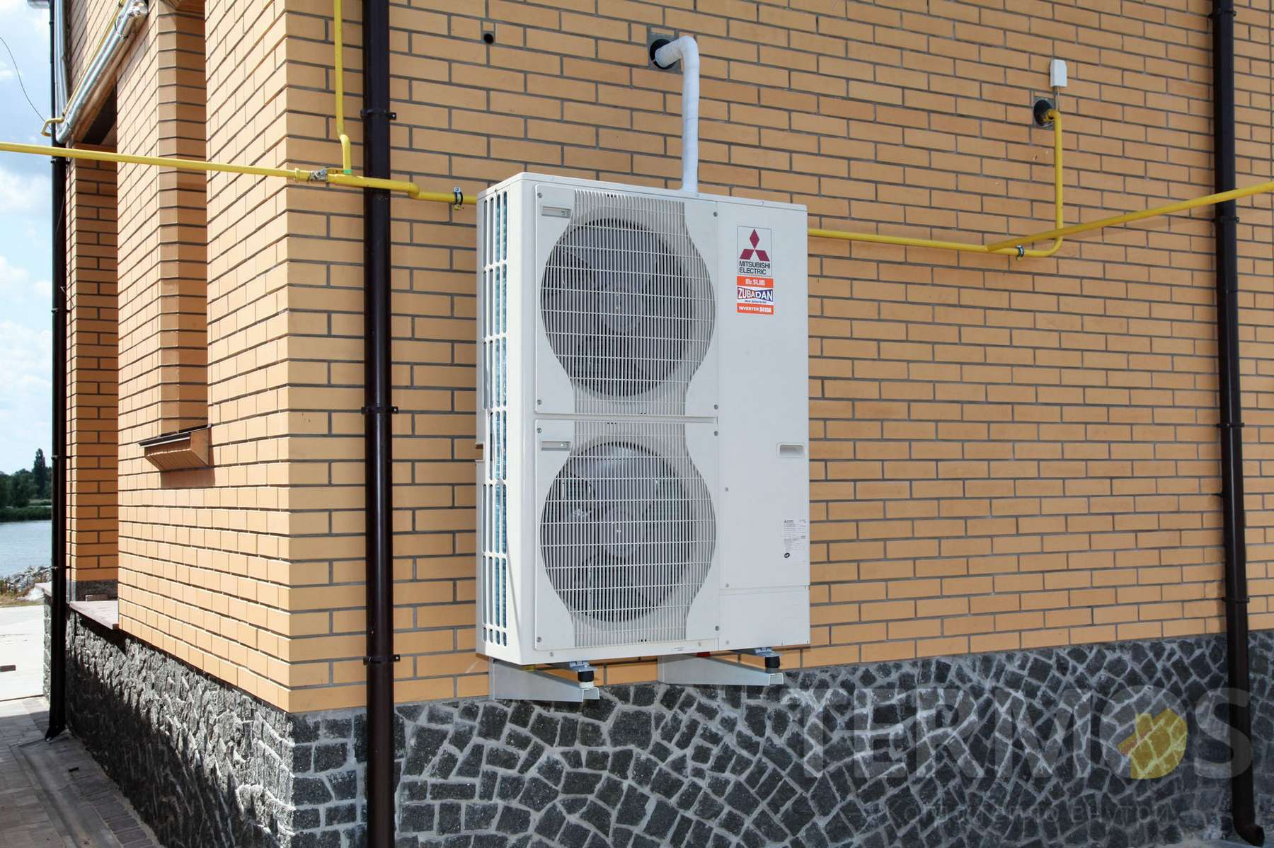 Белая Церковь. Дом 180 кв м. Тепловой насос ZUBADAN MITSUBISHI ELECTRIC (Япония) 14 кВт