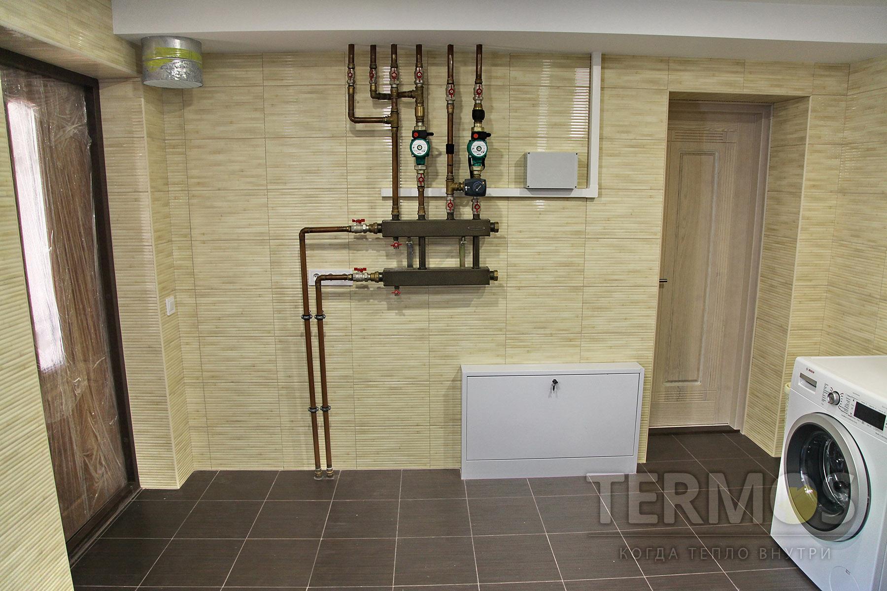 Низкотемпературная система отопления - контур радиаторов увеличенной мощности; контур теплого пола