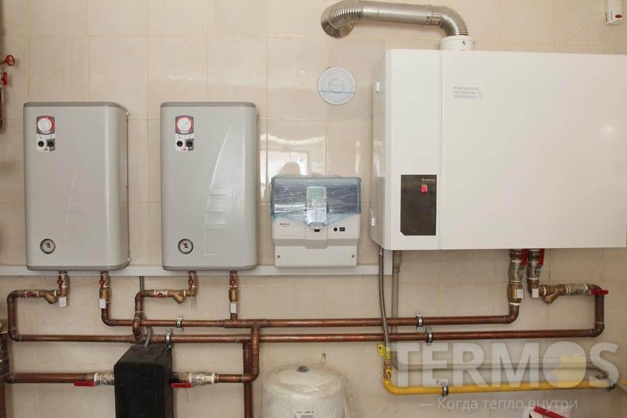 Электрокотлы и газовый котел Buderus Logamax plus GB112 60 кВт