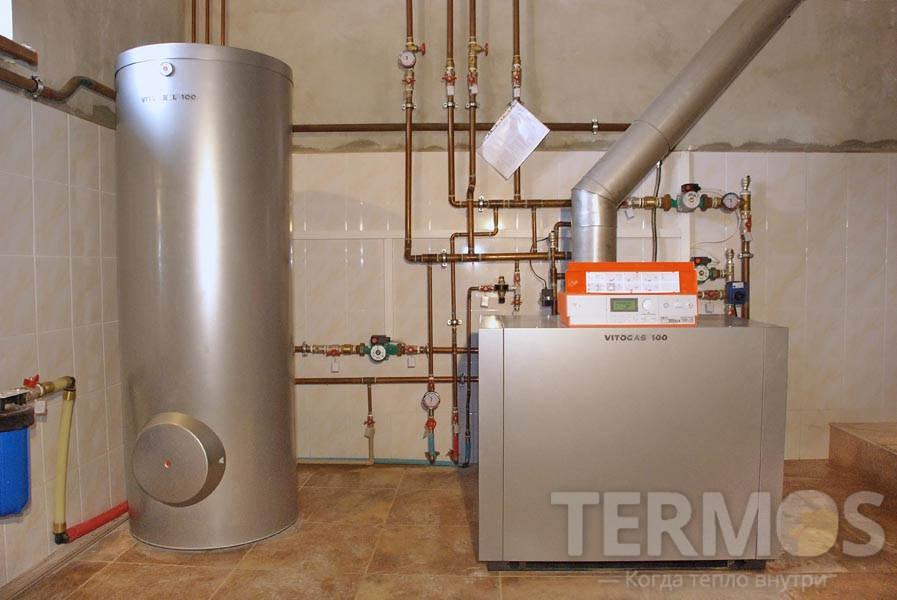 Напольный газовый котел Viessmann Vitogas 100-F 60 кВт + бойлер 300л