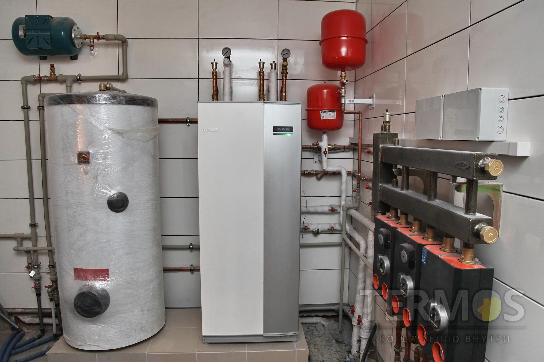 2016 год. Золочи. Дом 240 кв м. Система отопления на геотермальном тепловом насосе NIBE (Швеция) 12 кВт, с 5 скважинами по 50 м