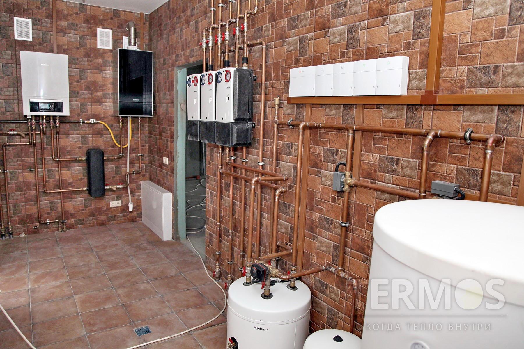 Иванковичи. Коттедж 300 кв.м. Тепловой насос выполняет функции отопления, приготовления горячей воды, нагрев бассейна, охлаждение дома летом