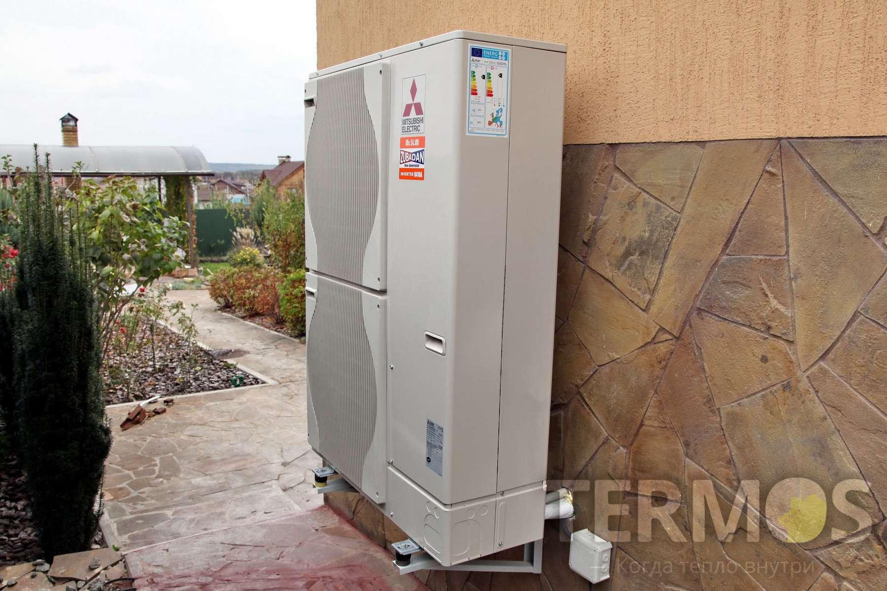 Крюківщина. Будинок 300 кв.м. Система опалення на повітряному тепловому насосі ZUBADAN 23 кВт з функціями опалення та гарячого водопостачання. Бойлер ГВП 200 л, піковий доводчик - конденсаційний котел 30 кВт