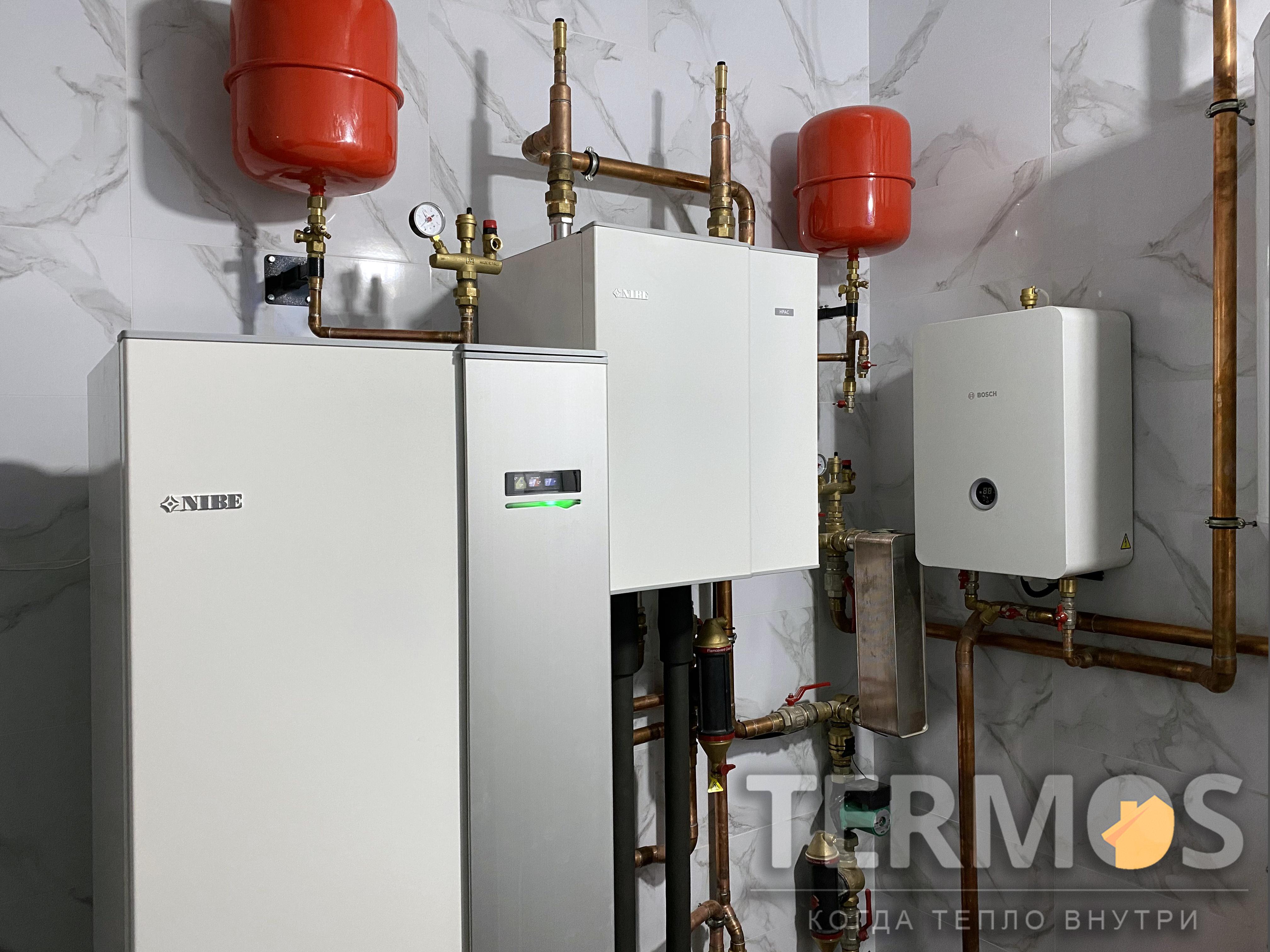 Дом 450 кв м, бассейн. Тепловой насос NIBE (Швеция) 28 кВт, с пассивным /активным охлаждением, 7 геотермальных скважин по 90 м. Резервный электрокотел BOCSH (Германия) 24 кВт