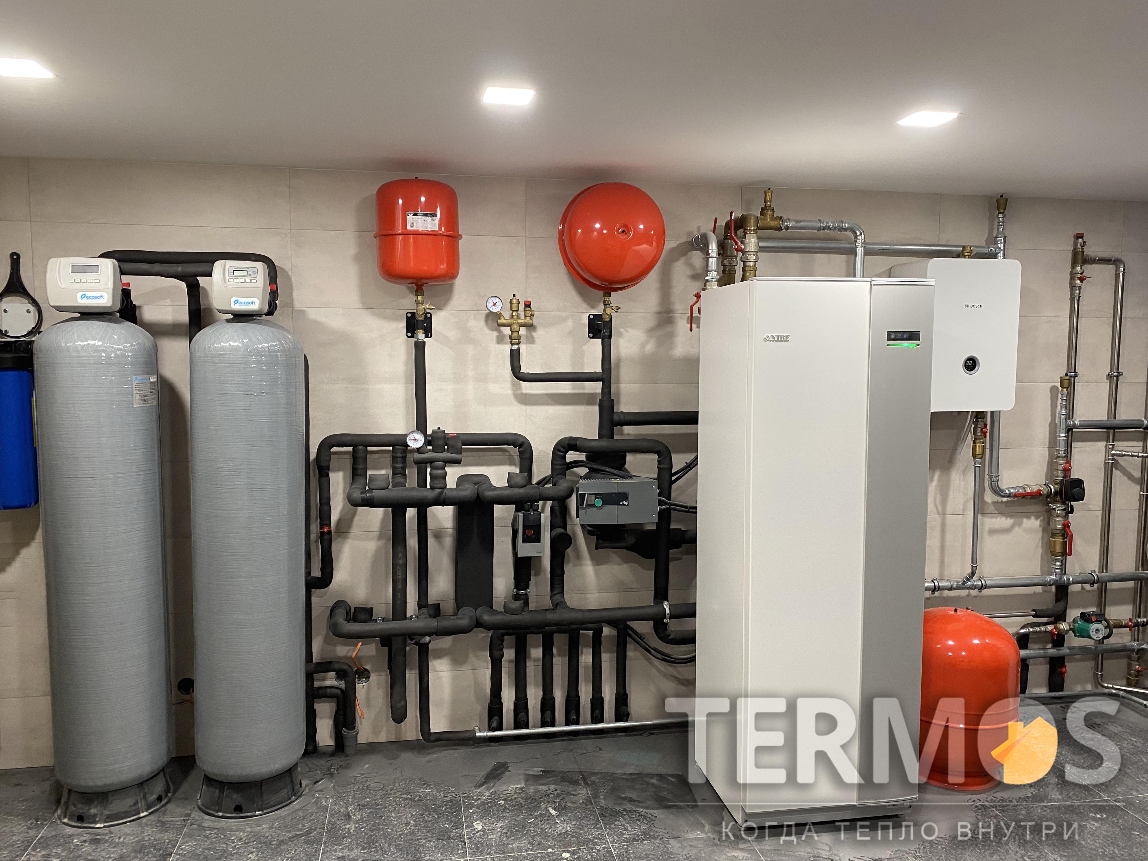 Дом 700 кв м, бассейн. Тепловой насос NIBE (Швеция) 40  кВт, с пассивным /активным охлаждением, 12 геотермальных скважин по 70 м.