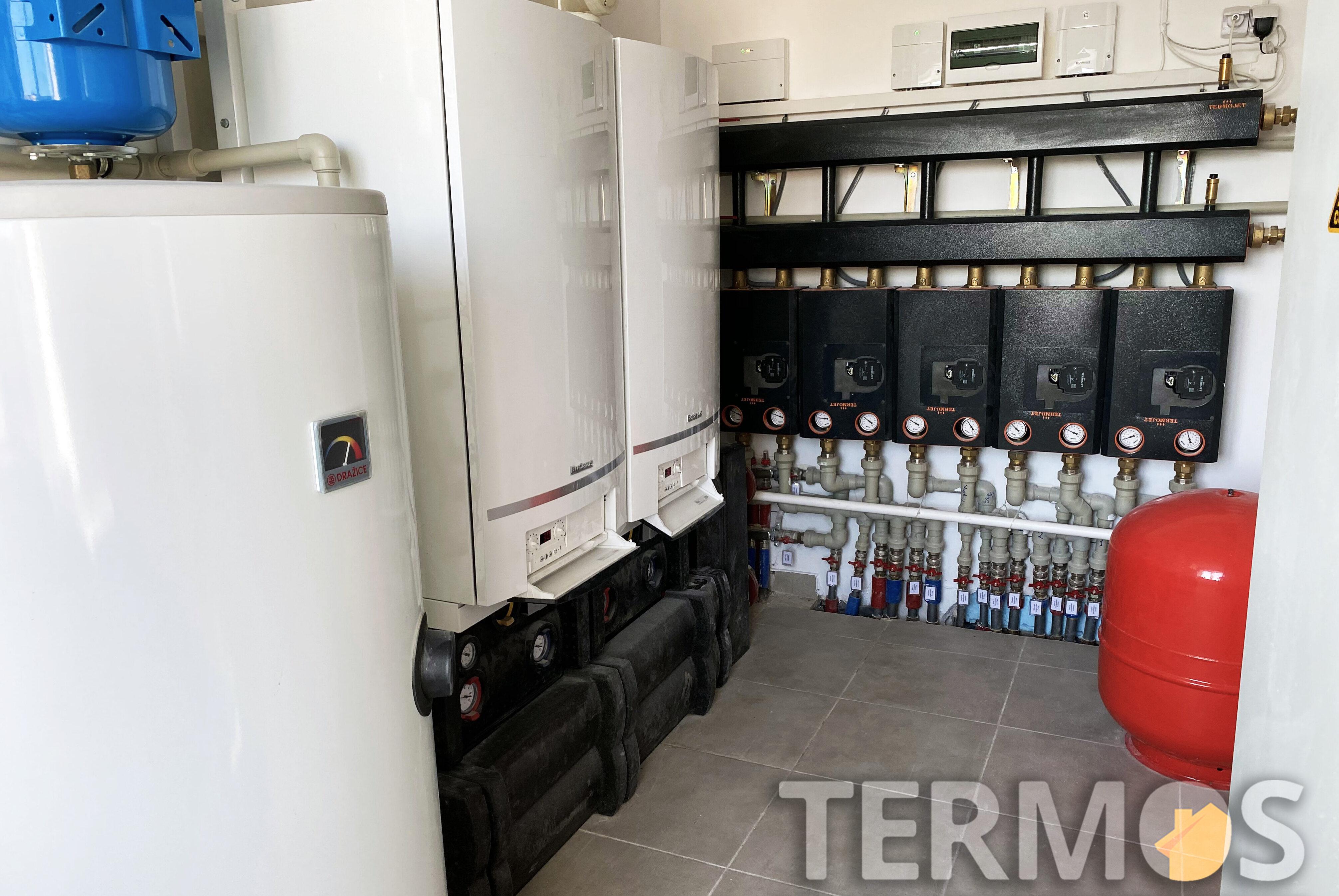 Функции системы отопления - погодозависимое отопление отдельно каждого этажа (радиаторы); приготовление горячей воды в 400 л бойлере, циркуляция ГВС; контроль и управление через интернет