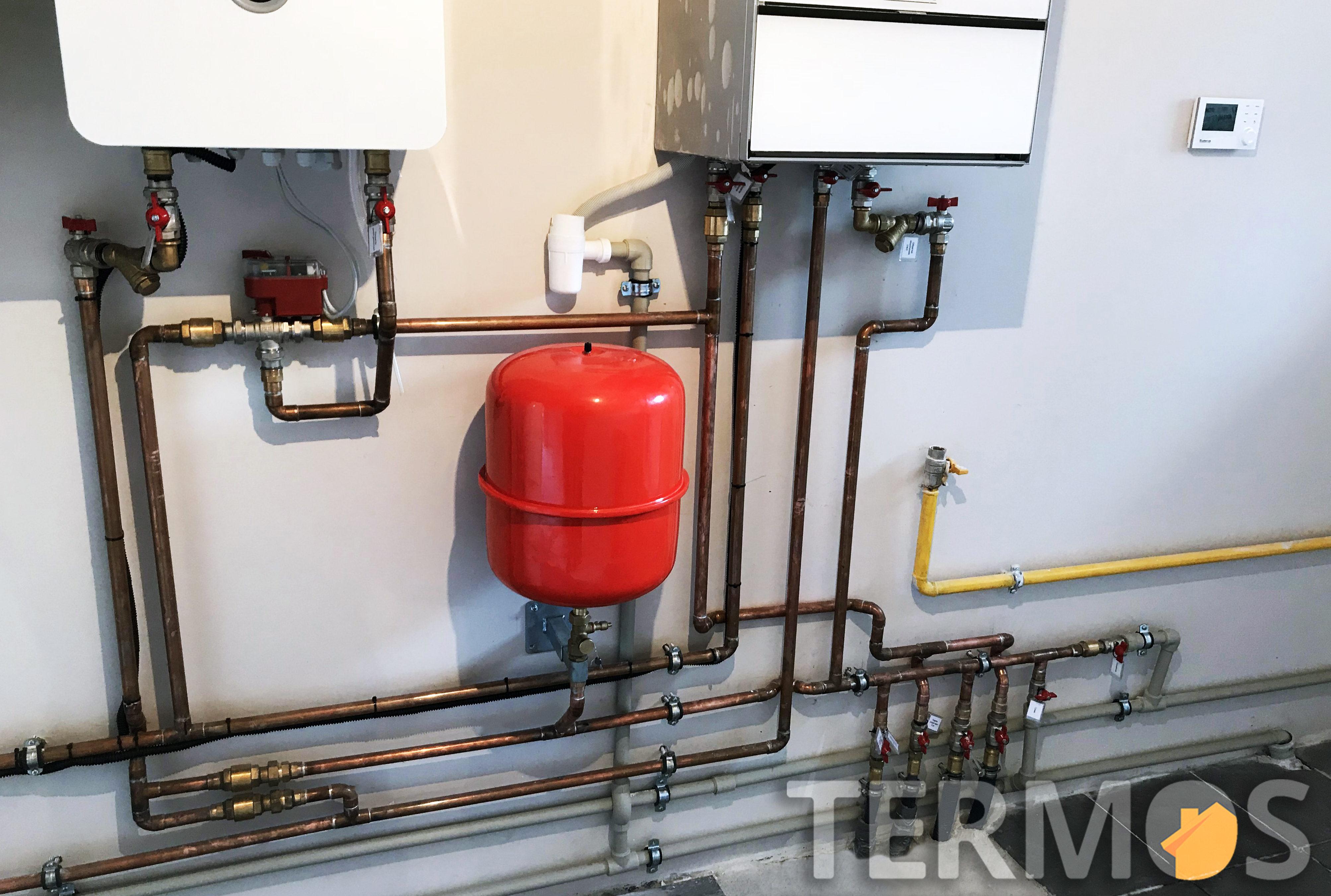 Во время дешевого тарифа, система отопления и горячего водоснабжения работает от электрокотла