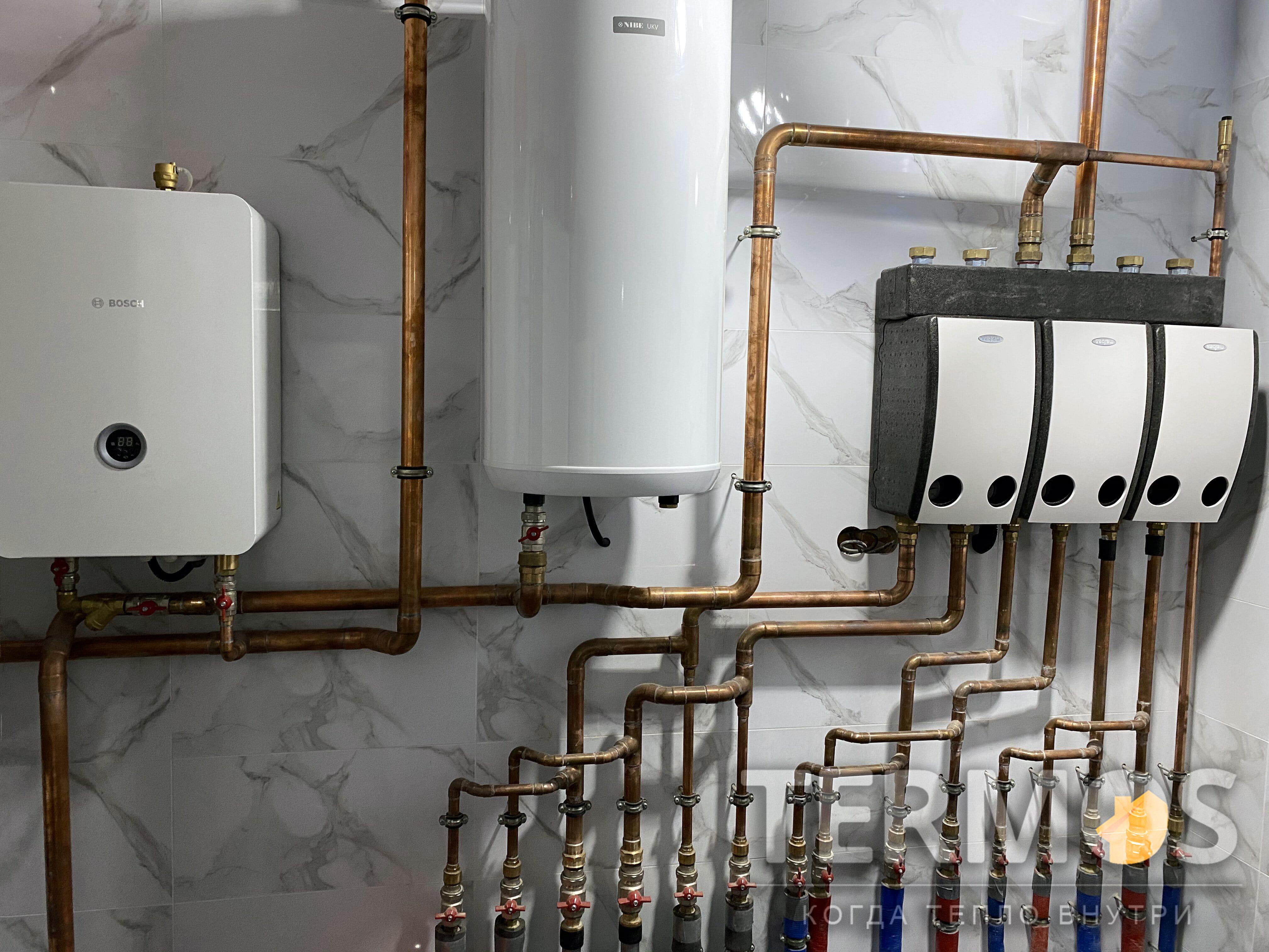 Функции нагрева: отопление дома радиаторами, фанкойлами, теплым полом, приготовление горячей воды в 500 л бойлере, автоматический нагрев наружного бассейна, контроль и управление через интернет