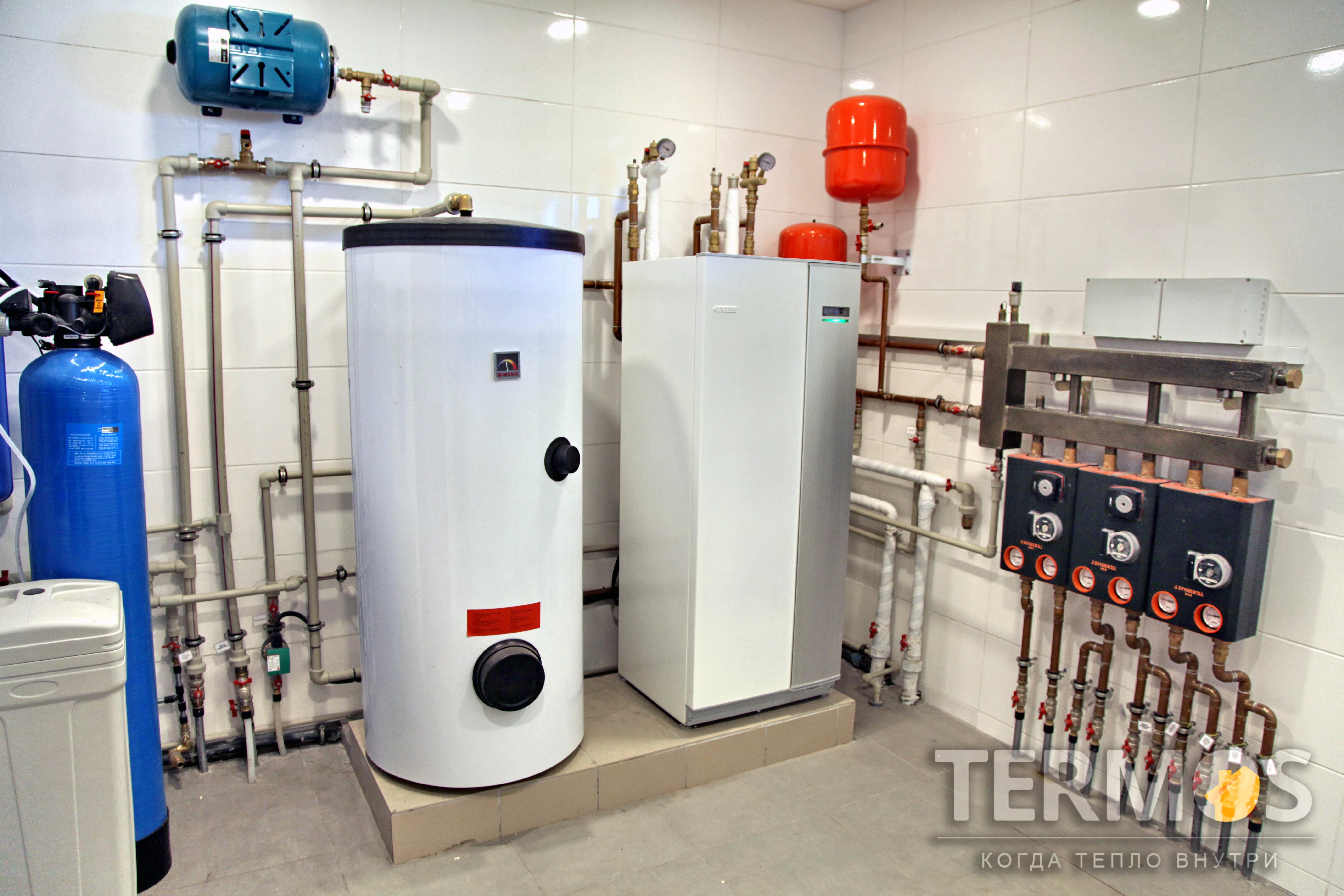 Приготовление горячей воды производится в специализированном бойлере косвенного нагрева емкостью 300 л