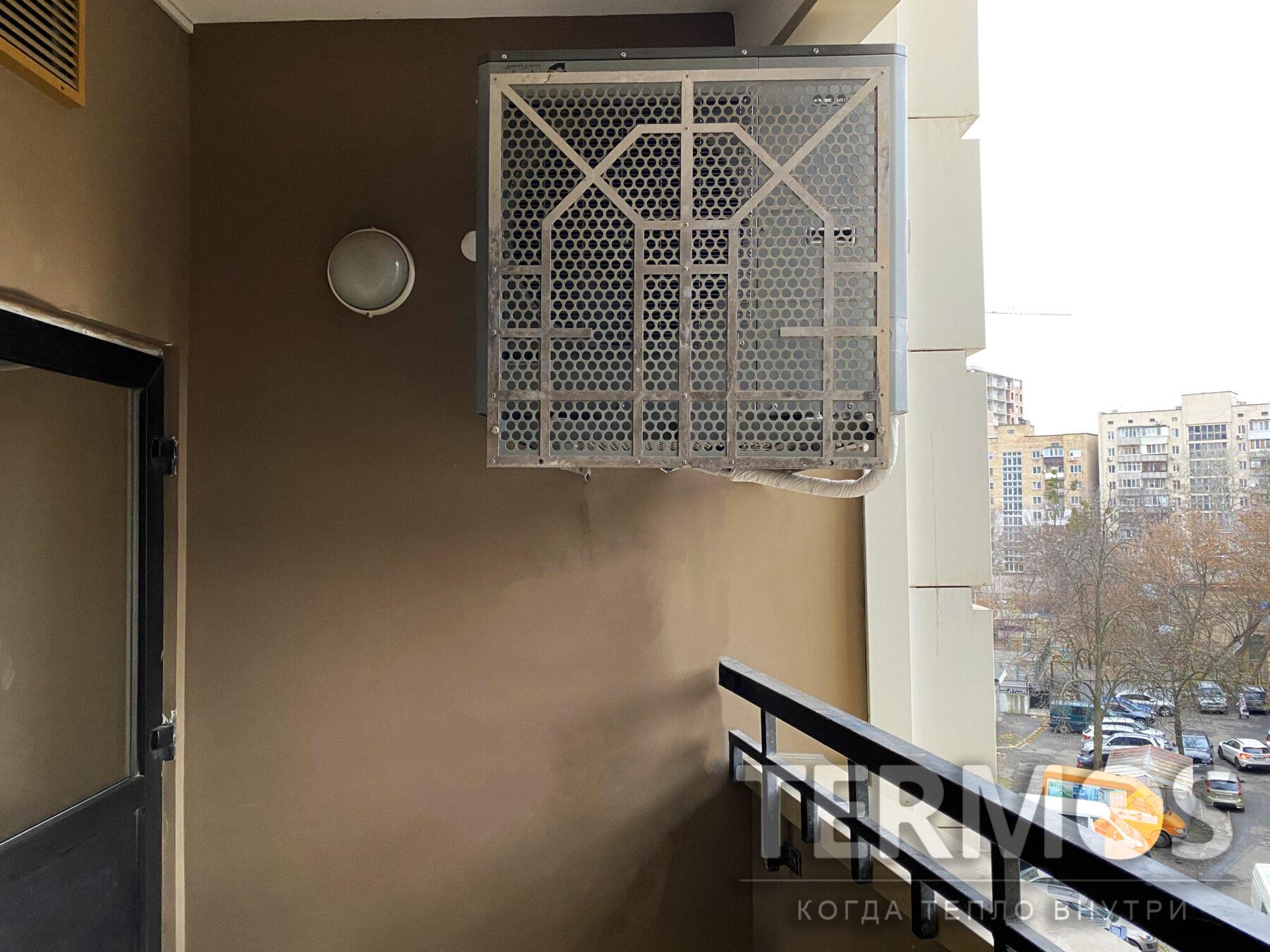 Киев. Квартира 150 кв.м. Наружный блок воздушного теплового насоса NIBE (Швеция) AMS 10 12 кВт, отопление / охлаждение