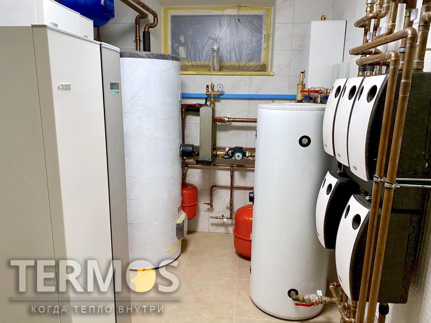 Борщаговка.  Коттедж 650 м.кв. Охлаждение дома летом обеспечивается контуром потолочных фанкойлов