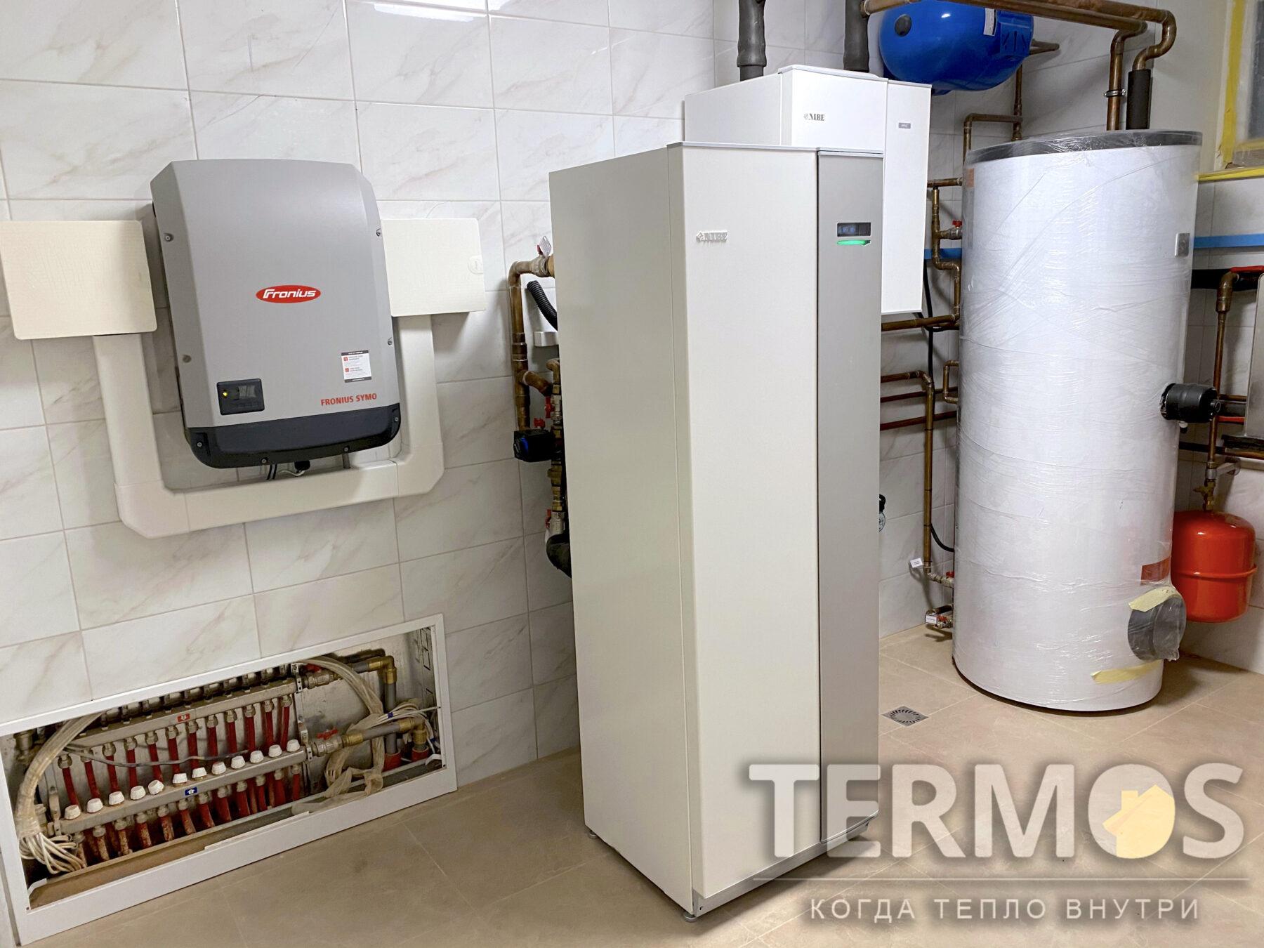 Борщаговка.  Коттедж 650 м.кв. Геотермальный тепловой насос NIBE 28 кВт. Обеспечивает отопление, горячее водоснабжение, пассивное/ активное охлаждение летом. Фотовальтайка.