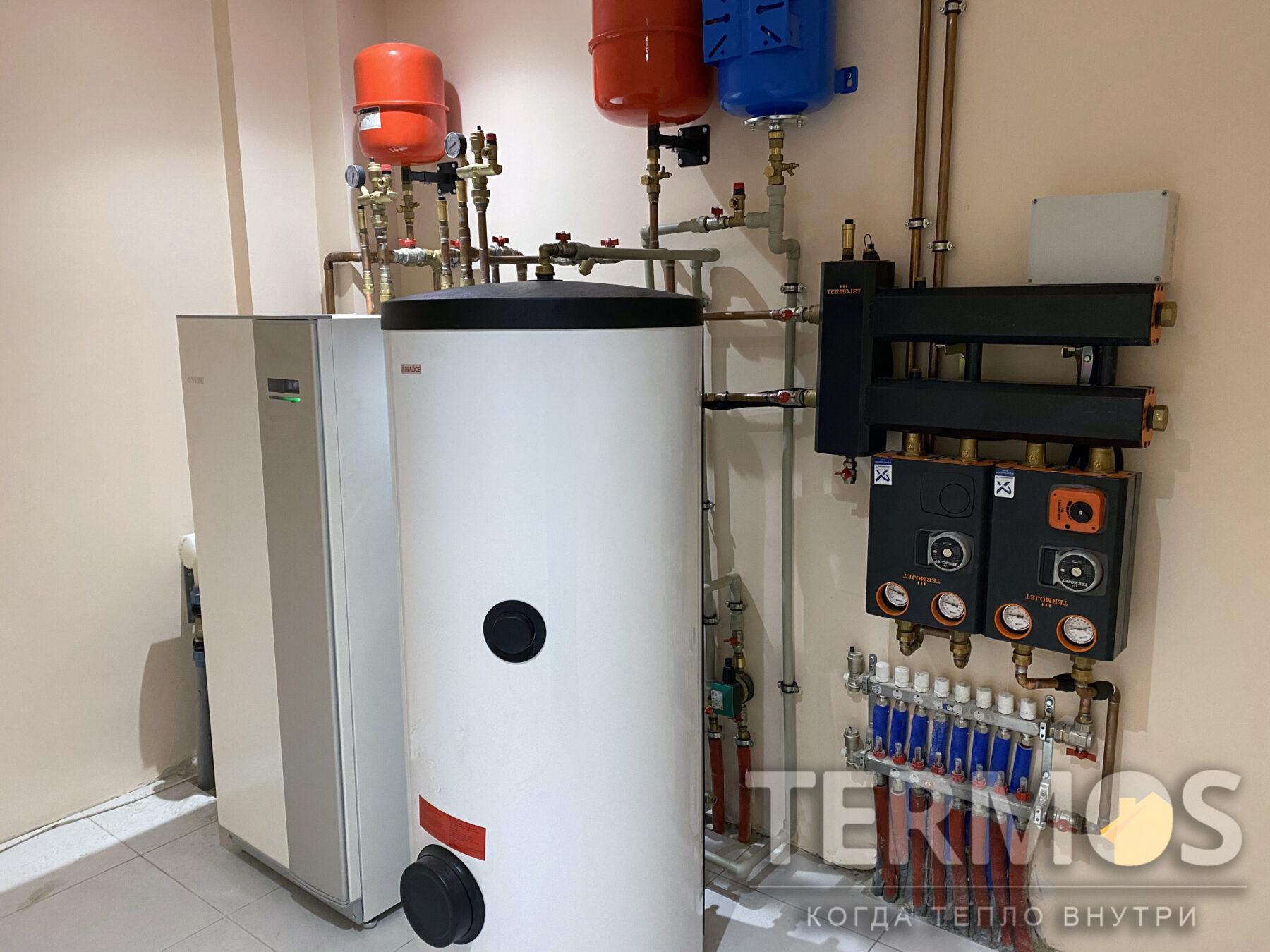 Крюковщина. Коттедж 150 м.кв. Низкотемпературная система отопления (насосная группа радиаторного контура и контура теплого пола). Приготовление горячей воды в 300 литровом специализированном бойлере.