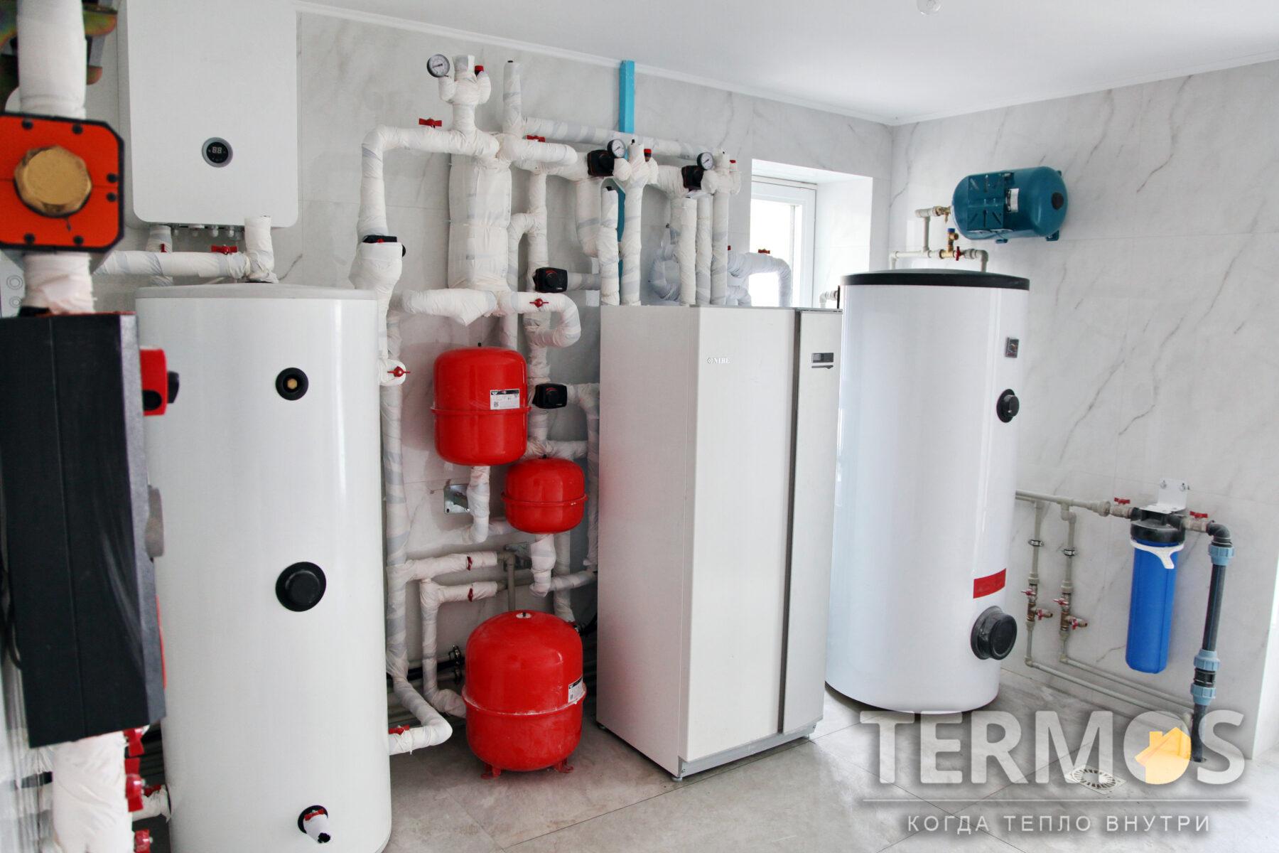 Плюты. Коттедж 280 м.кв. Приготовление воды в 300 литровом бойлере косвенного нагрева с увеличенной площадью теплообменника